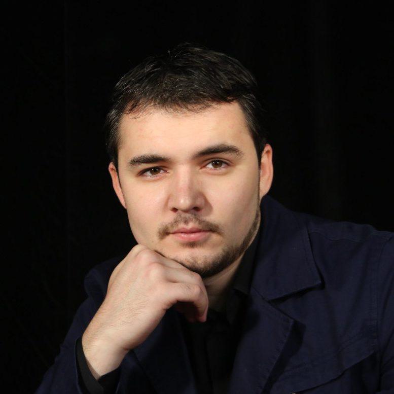 Амир Ерманов
